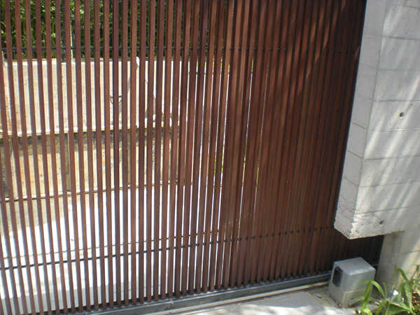 dark brown auto gate