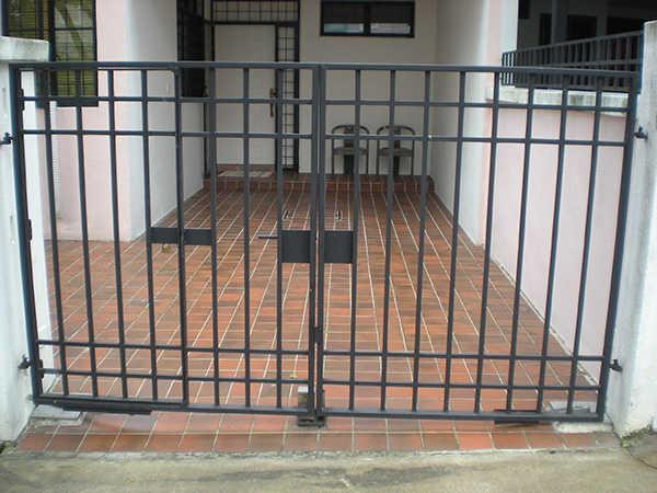 grey auto gate